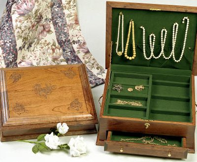 Amish Cherry Jewelry Chest