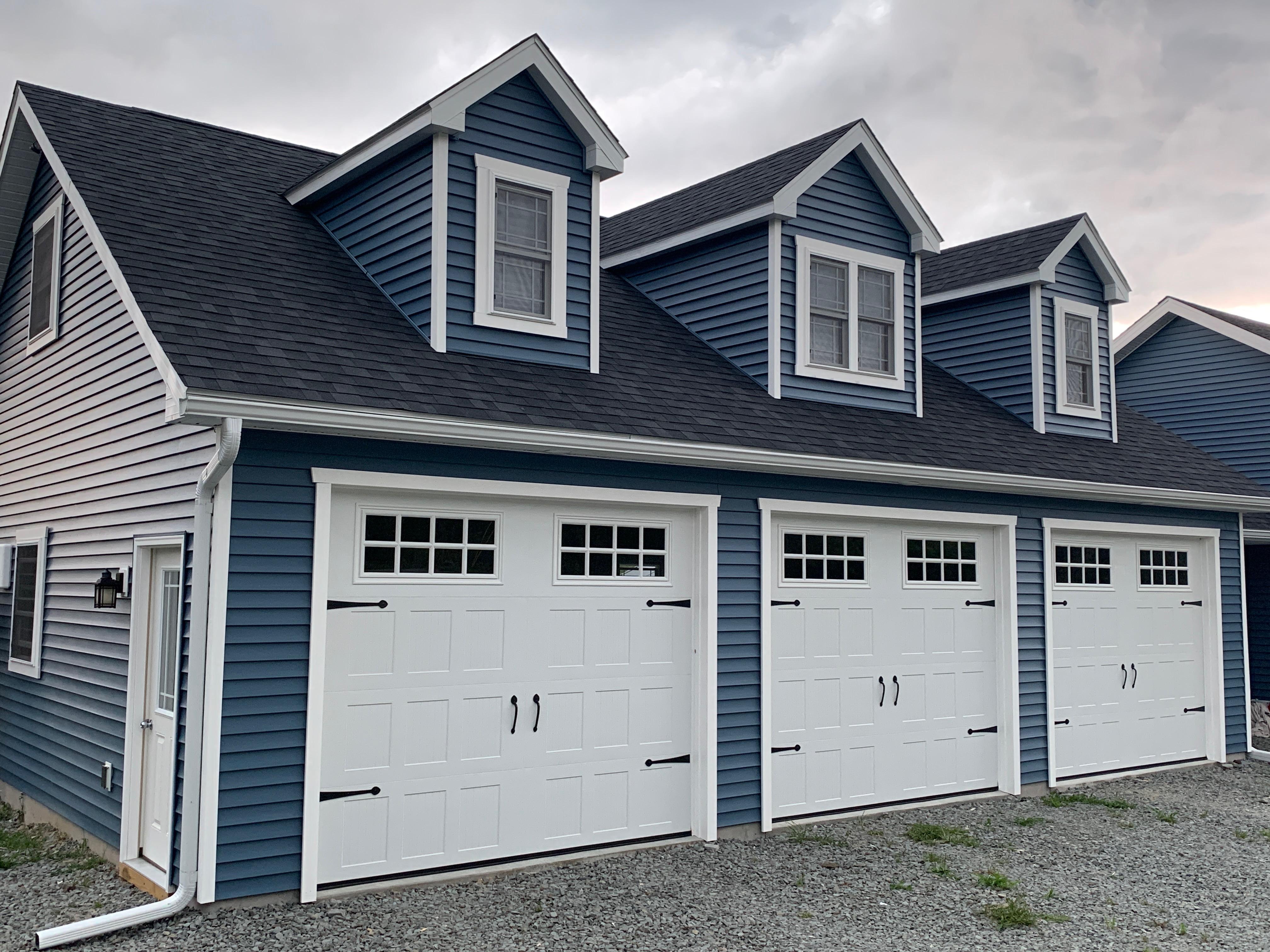 IMG 2939 Three Car Garages